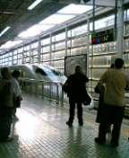 無難に新幹線。